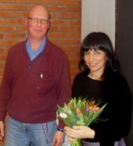 Rossana tackas med blommor/foto Björn Jonasson